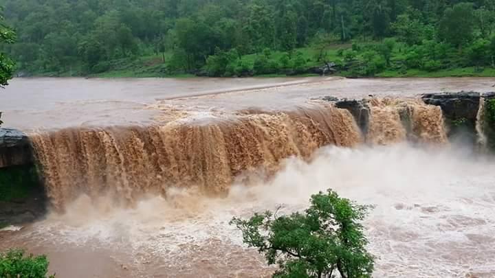 Gira-Falls-Waghai-aka-Gira-Dhodh-List-of-Waterfalls-in-South-Gujarat