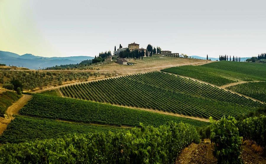 greve-chianti-tuscany-italy-hills