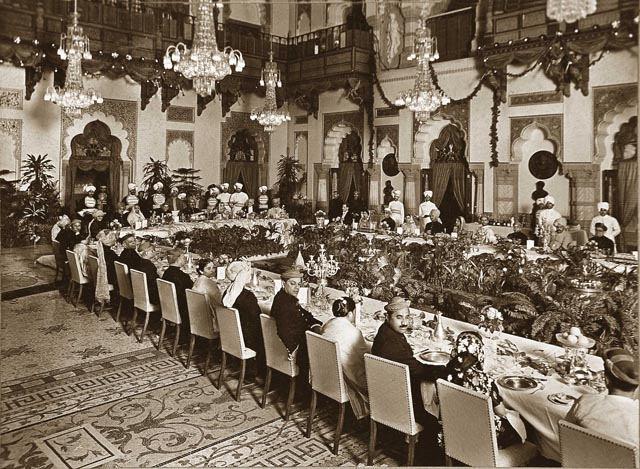 royal-banquet-1934-durbar-hall-laxmi-vilas-palace