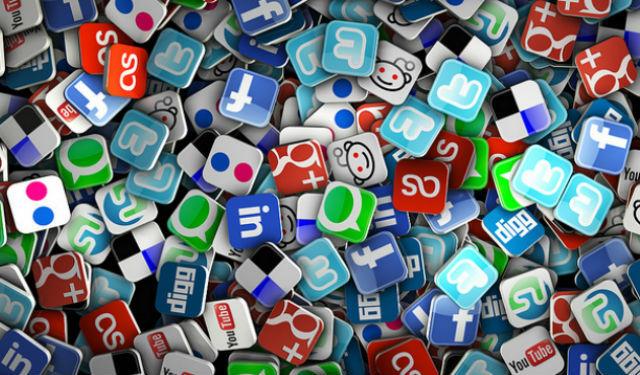 social-media-mess-flickr_zps21a48678