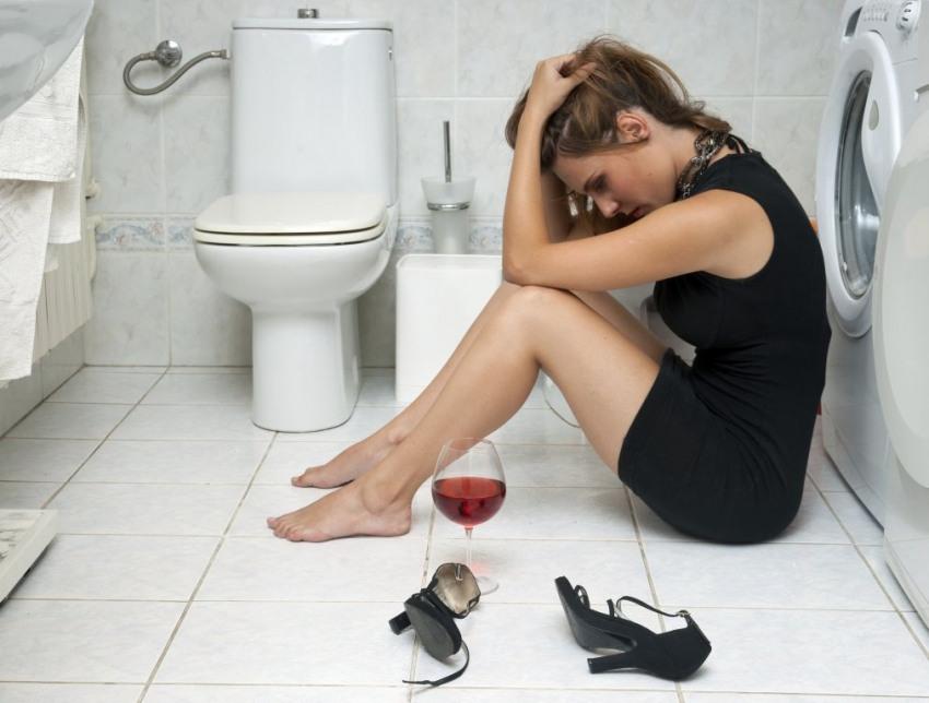 devojka-u-kupatilu-1395922748-31208