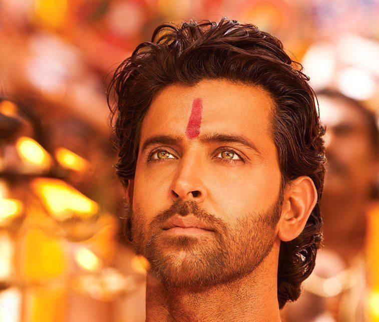 Hrithik-Roshan-Wallpapers-Wearing-teeka-in-Agneepath