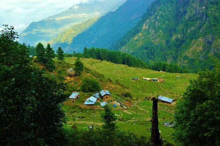 Kheerganga-Mountain-Views