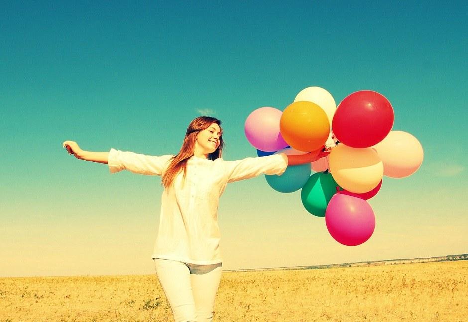 happy-girl-desktop-background-524213