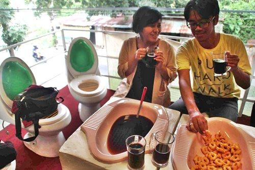 indonesia-toilet-restaurant-1