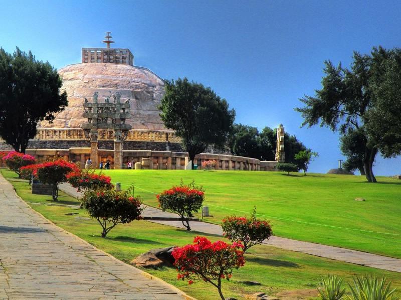 Sanchi_Stupa_distant_view