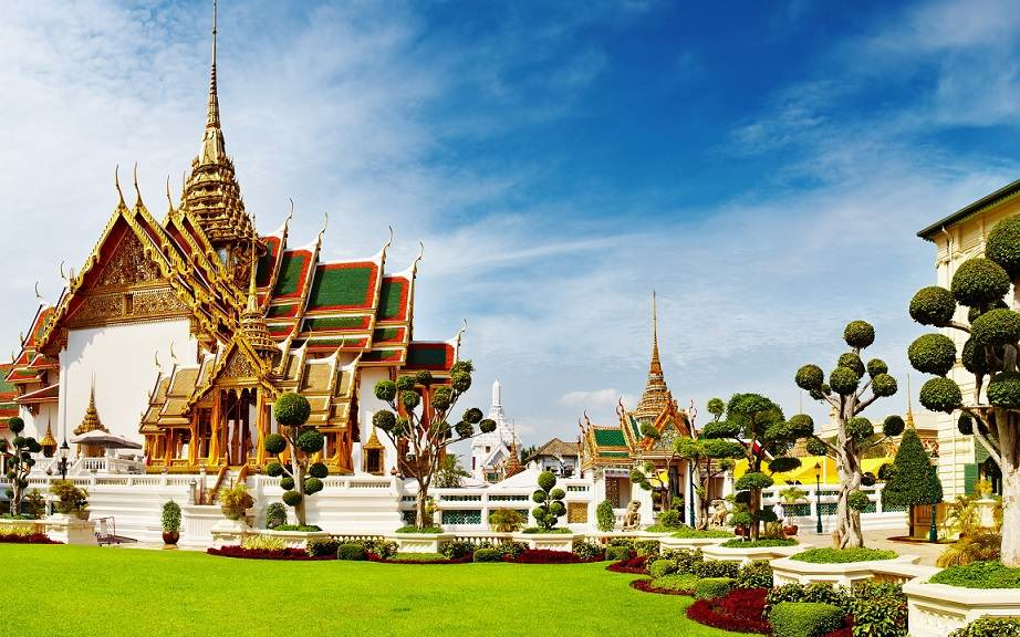 amazing-view-of-grand-palace