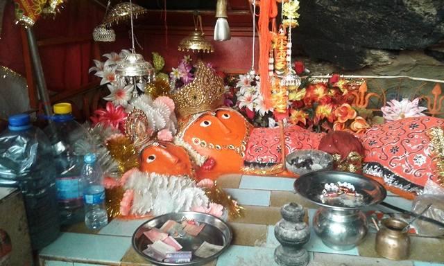 10 Inside of the Nani Mandir 20151017_122902