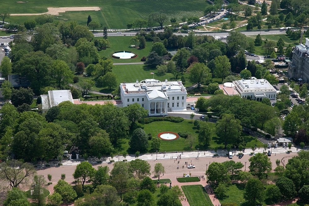 Aerial_view_of_the_White_House