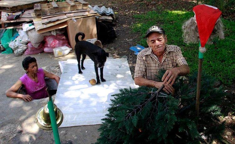Insólito- Familia vive en alcantarilla hace 22 años