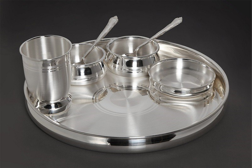 Silver-utensils-for-babies
